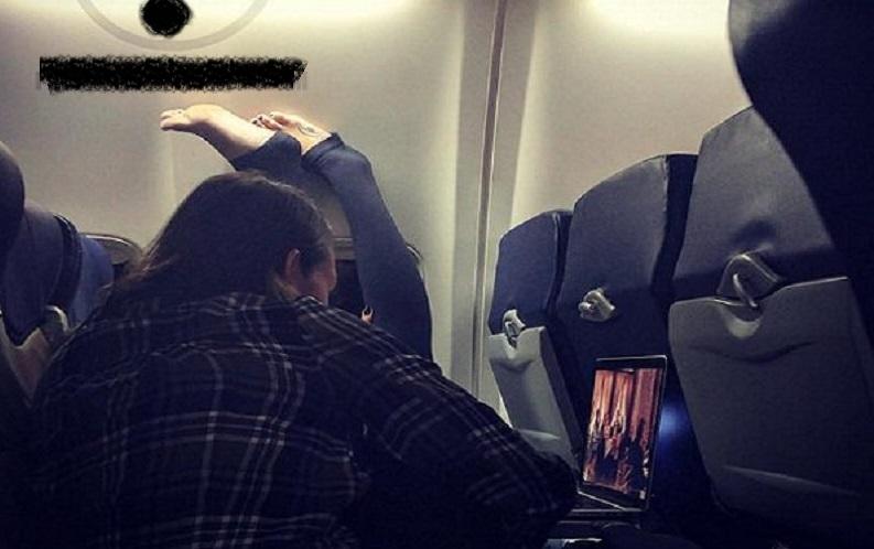 بالصور.. مضيفة طيران تفضح تصرفات المسافرين - الإمارات اليوم
