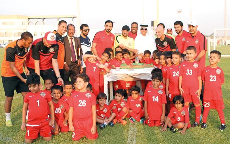 الصورة: البنا يفتتح مدرسة الكرة لشباب الأهلي - دبي في العوير
