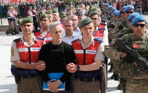 الصورة: محاكمات استعراضية لمدبري الانقلاب في أنقرة