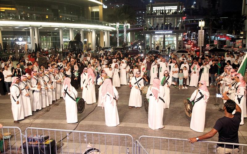 الصورة: في عيد «المملكة».. الفرحة عامة من دبي إلى جدة