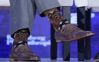 """الصورة: بالصور.. """"جوارب"""" رئيس الوزراء الكندي جاستين ترودو تحدث ضجة"""
