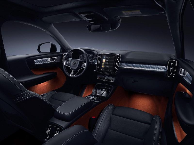 """بالصور: """"فولفو"""" تكشف عن """"XC40"""" أصغر سيارتها الـ """"SUV"""""""