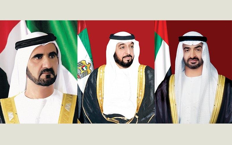 الصورة: رئيس الدولة ونائبه ومحمد بن زايد يهنئون خادم الحرمين باليوم الوطني للمملكة