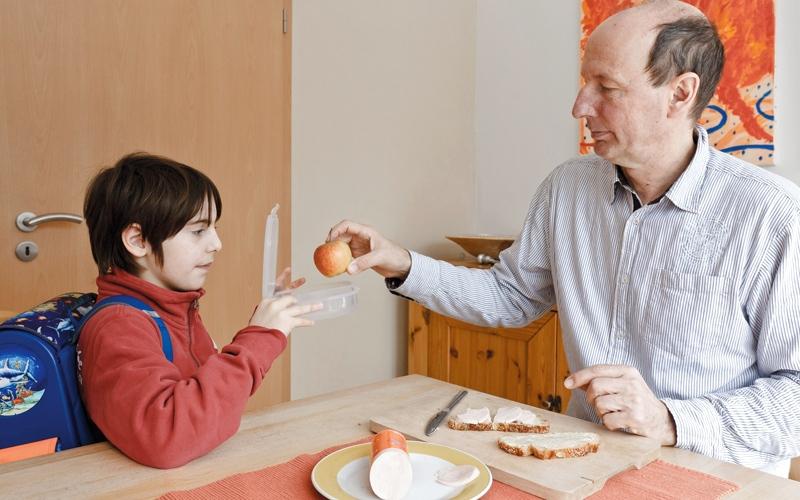الصورة: أطباء يحدّدون مواصفات وجبة الإفطار المثالية للطفل