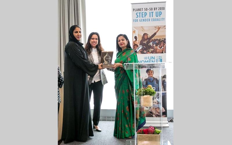 الصورة: هيئة الأمم المتحدة للمرأة ومنتدى الشراكة العالمية يكرّمان «أم الإمارات»