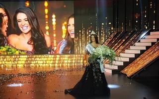 الصورة: بالصور... بيرلا الحلو ملكة جمال لبنان لسنة 2017