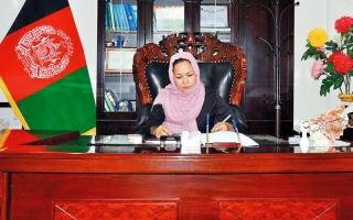 الصورة: إقالة المرأة الوحيدة الحاكمة لولاية في أفغانستان