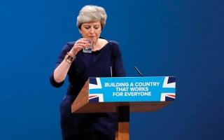 الصورة: تيريزا ماي تتجنب فضيحة في مؤتمر حزب المحافظين