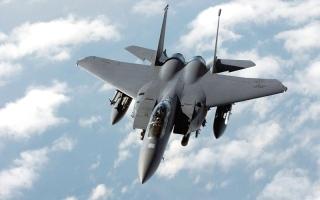 الصورة: البنتاغون: الدوحة طلبت شراء 200 صاروخ «إيه جي إم-154»