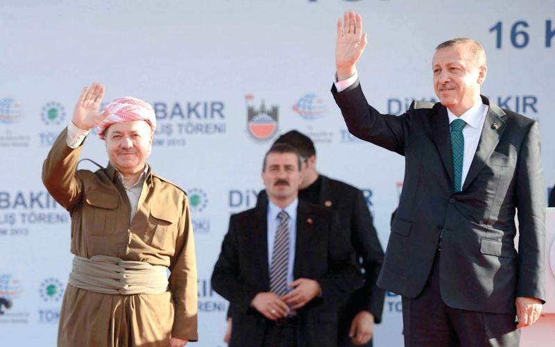 أردوغان هدّد برزاني بالحصار والمزيد إذا أصر الأخير على الانفصال.  أرشيفية