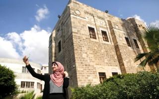 الصورة: نجمات «إنستغرام» في غزة يسعين لإظهار صورة مختلفة عن الحياة