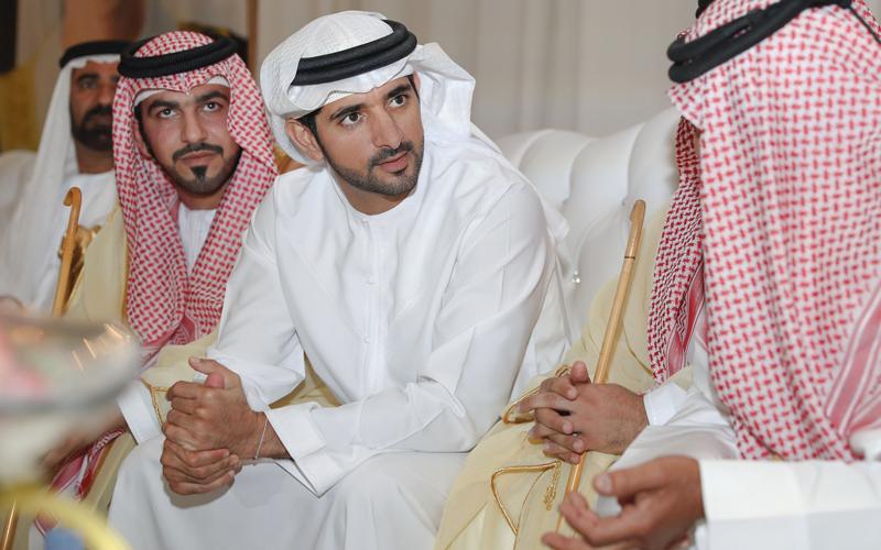 ولي عهد دبي يحضر أفراح الهاجري والحربي