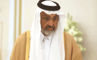 الصورة: الدوحة تجمد أرصدة الشيخ عبدالله آل ثاني