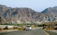 الصورة: رحلات الطرق البرية في دولة الإمارات