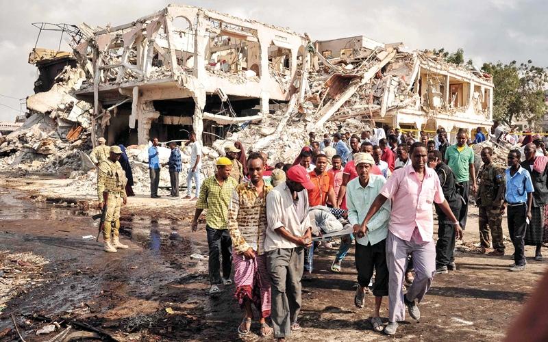 الصورة: الإمارات تتكفل بعلاج 100 جريح من مصابي تفجير مقديشو