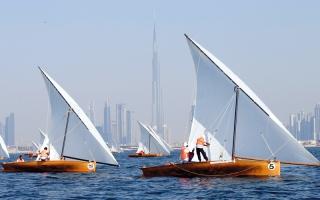 «سالك 16» بطل سباق دبي للشراعية 22 قدماً