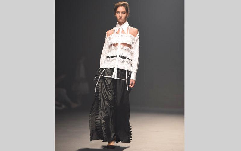 ثاني أيام «فاشن فورورد».. أزياء مستوحاة من العصور الوسطى