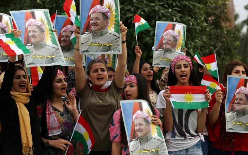 أنصار بارزاني يتظاهرون تأييداً له. أ.ف.ب