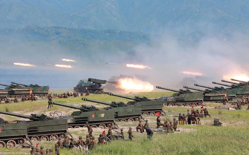 بيونغ يانغ تتحدى العالم بترسانة عسكرية ضخمة.  أرشيفية