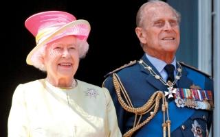 الصورة: ملكة وملك بريطانيا لن يحتفلا بذكرى زواجهما الـ 70 لـ«أسباب محزنة»