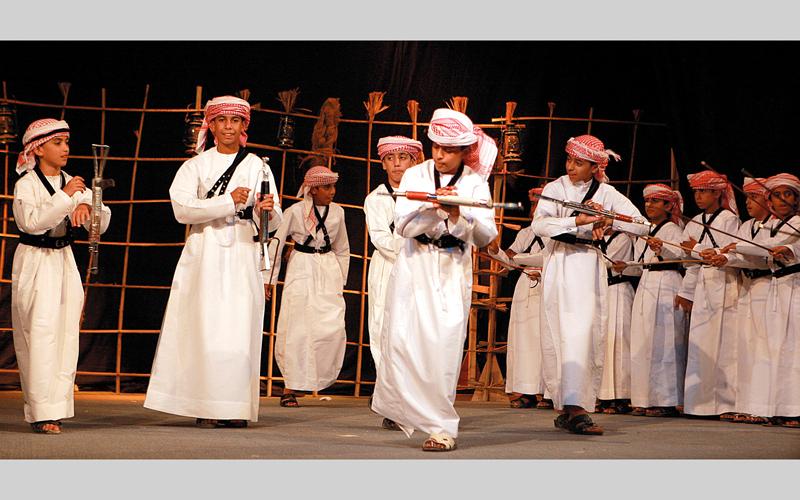 دبي.. سباقات هجن وصيد وفروسية على أنغام «اليولة» الإماراتية - الإمارات اليوم