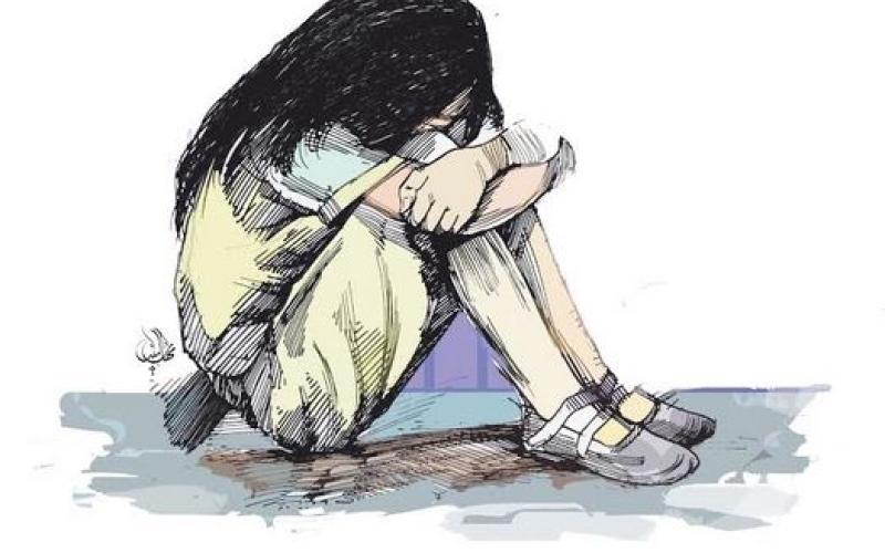الصورة: محاكمة امرأة تستغل 3 قاصرات جنسياً بعد شرائهن