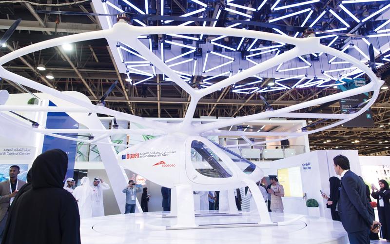 الهيئة تعمل على مشروع لتسيير رحلات «التاكسي الجوي» يمتد للسنوات المقبلة. تصوير: أحمد عرديتي