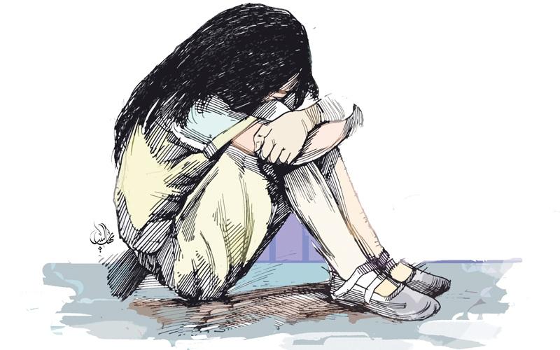 الصورة: محاكمة امرأة استغلت 3 قاصرات جنسياً