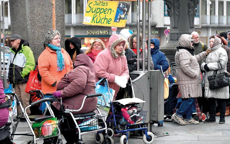 الألمان الخاضعون لنظام الرعاية يواجهون مشكلات متزايدة. أرشيفية