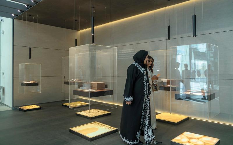 «فن أبوظبي».. أعمال فنية وعروض حيّة في «منارة السعديات»