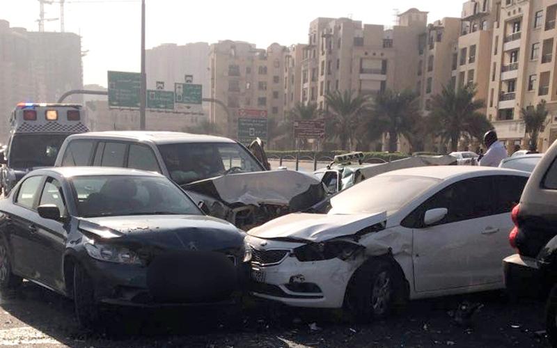 الصورة: وفاة شخص وإصابة 8 بحوادث مرورية في دبي خلال يومين