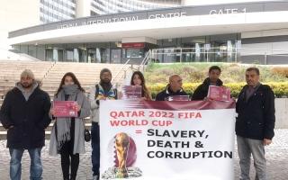 الصورة: وقفة احتجاجية بفيينا تندد بتنظيم قطر مونديال 2022