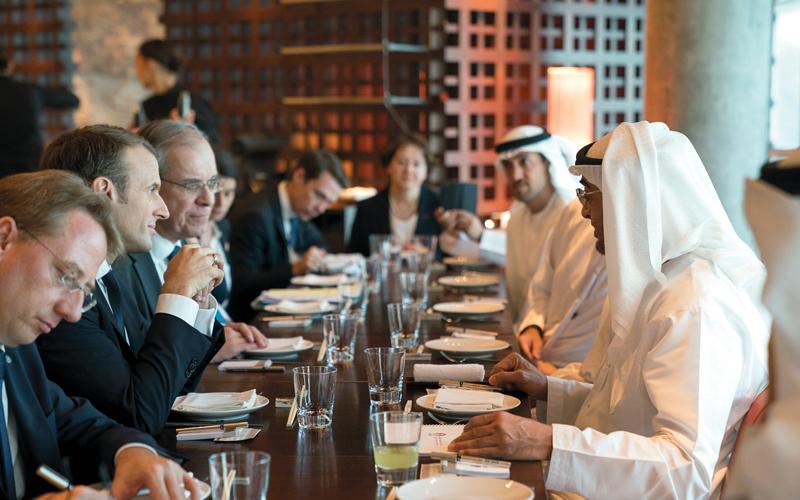 محمد بن زايد وماكرون أكدا مواصلة تعزيز العلاقات الثقافية والاجتماعية والتعليمية والاقتصادية. الإمارات اليوم
