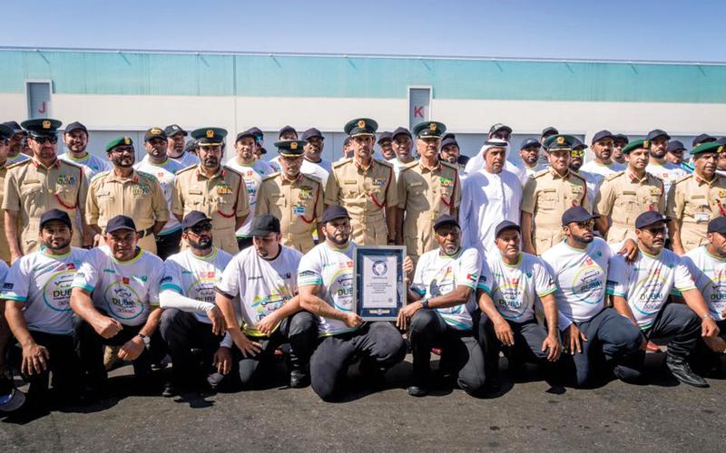 «شرطة دبي» تحطم رقماً قياسياً ثانياً بجر طائرة «إيرباص A380»