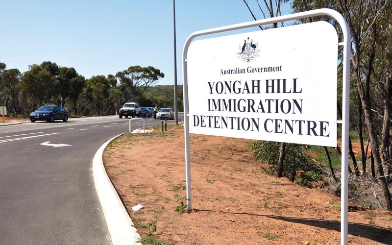 الحكومة الأسترالية متهمة بإساءة معاملة اللاجئين.  أرشيفية