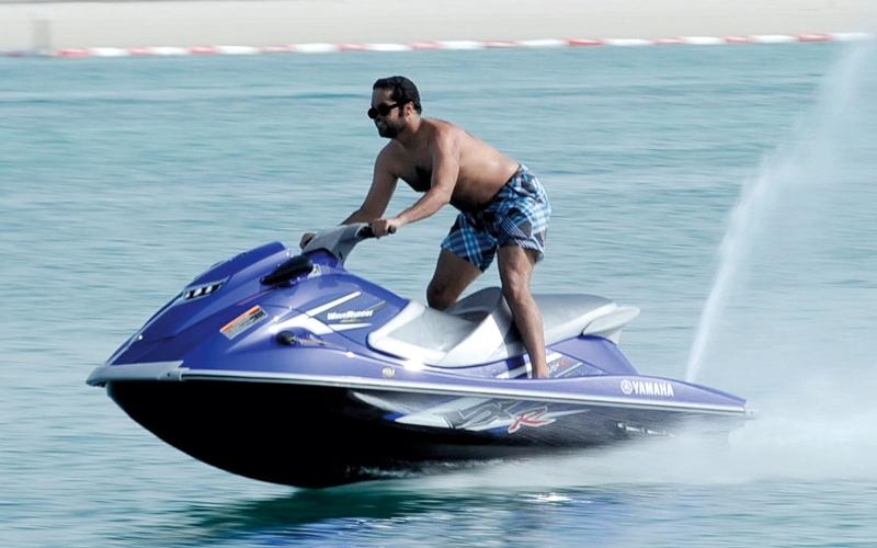 الصورة: «نقل أبوظبي»: 2800 دراجة مائية مرخصة تخضع لرقابة مشددة