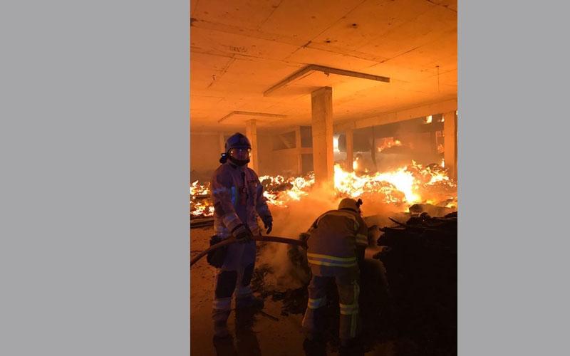 الصورة: السيطرة على حريق متطور في عجمان