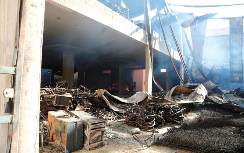 الصورة: احتراق 4 مستودعات أثاث في عجمان