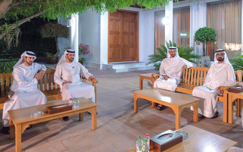 محمد بن راشد ومحمد بن زايد أكدا أهمية تفعيل مسيرة التنمية والتطوير في الدولة على الصعد كافة. وام
