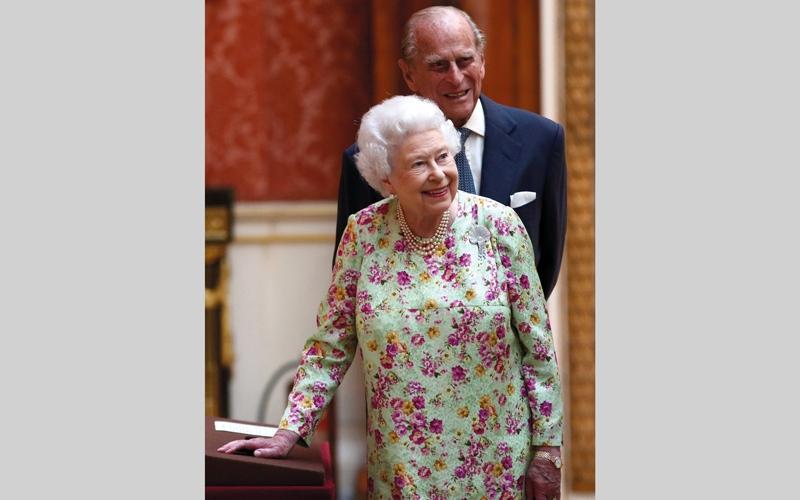 الصورة: إليزابيث الثانية وفيليب.. 70 سنة معاً