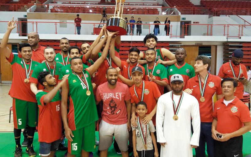 شباب الأهلي متوجاً بكأس نائب رئيس الدولة لكرة السلة. الإمارات اليوم