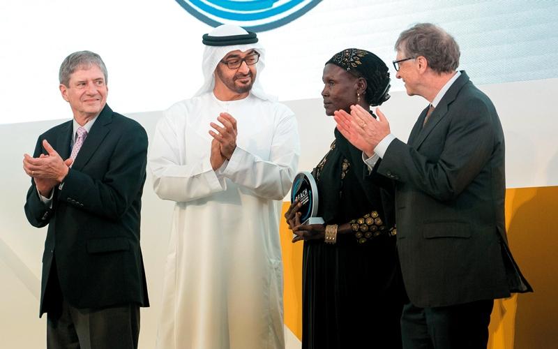 الصورة: ولي عهد أبوظبي يكرّم الفائزين بجائزة «محمد بن زايد للصحة العالمية»