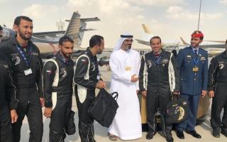 الصورة: بالصور...خالد بن محمد بن زايد آل نهيان يزور معرض دبي للطيران