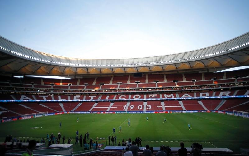 الصورة: «ديربي مدريد» غداً.. بعيداً عن «كالديرون»