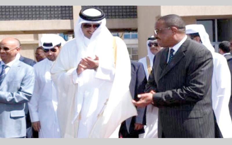 تميم ورئيس الوزراء الإثيوبي خلاله زيارته للدوحة أخيراً. من المصدر