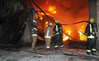 الصورة: إخلاء فندق في مكة بعد حريق في إحدى غرفه
