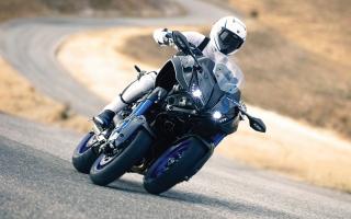 الصورة: «ياماها» تطلق درّاجة بتقنية الميل لـ 3 عجلات
