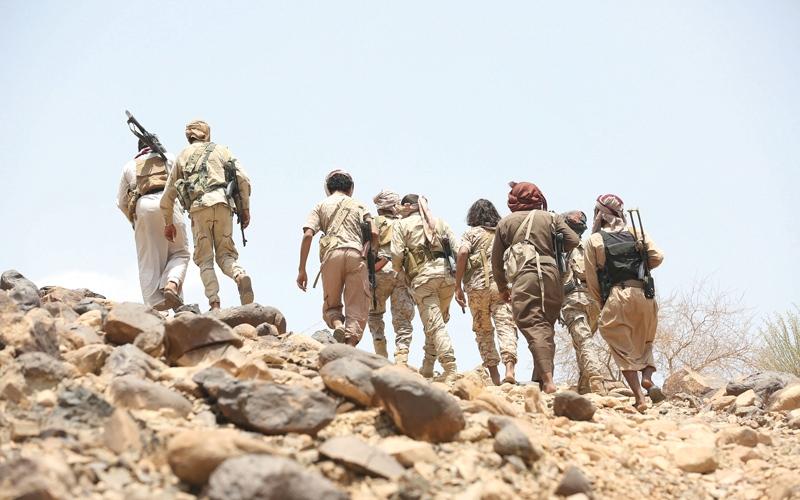 الصورة: «الشرعية» تدفع بتعزيزات إلى نهم تمهيداً لحسم معركة صنعاء
