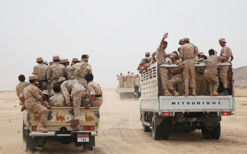 الصورة: «الشرعية» تقصف مواقع للميليشيات شمال صنعاء.. وعمليات نوعية لمقاتلات التحالف في البيضاء