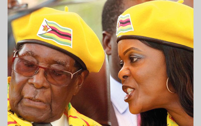 حاول موغابي توريث رئاسة الحزب لزوجته غريس. رويترز